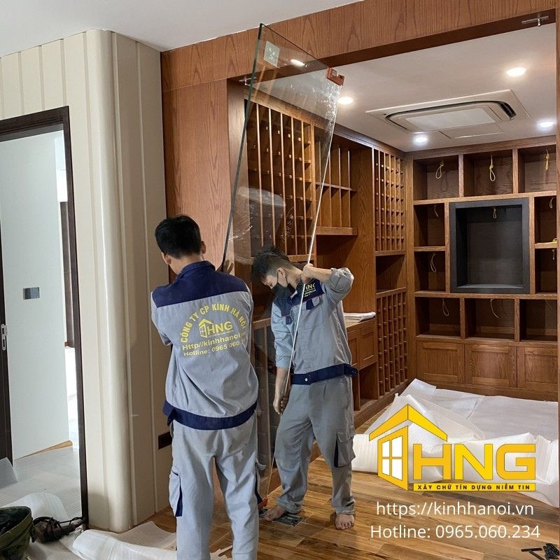 Lắp đặt cửa thủy lực mở quay 2 cánh Công trình số 5 Tú Mỡ, Cầu Giấy, Hà Nội.